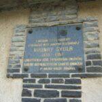 Emléktábla a ház falán